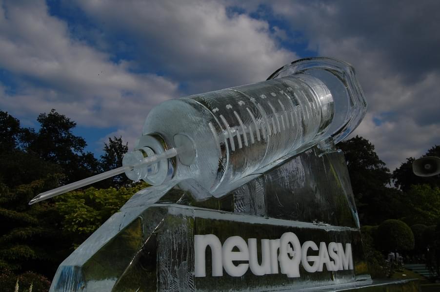 Syringe, Logo