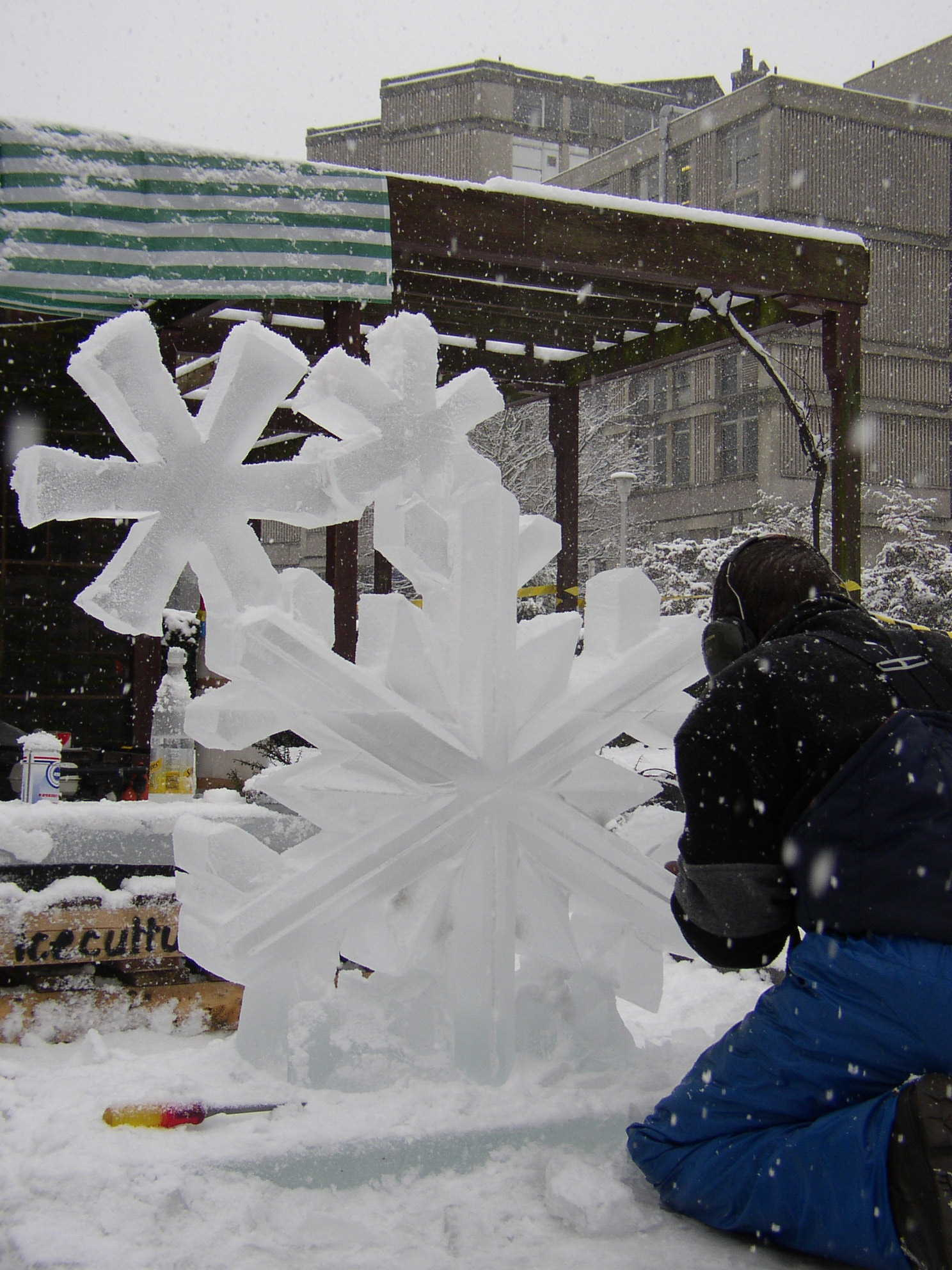 Snowflake Cluster - live carving