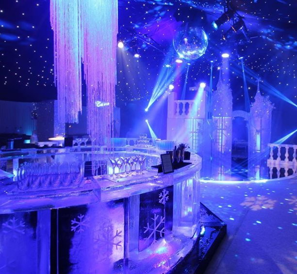 Frozen Themed Round Ice Bar