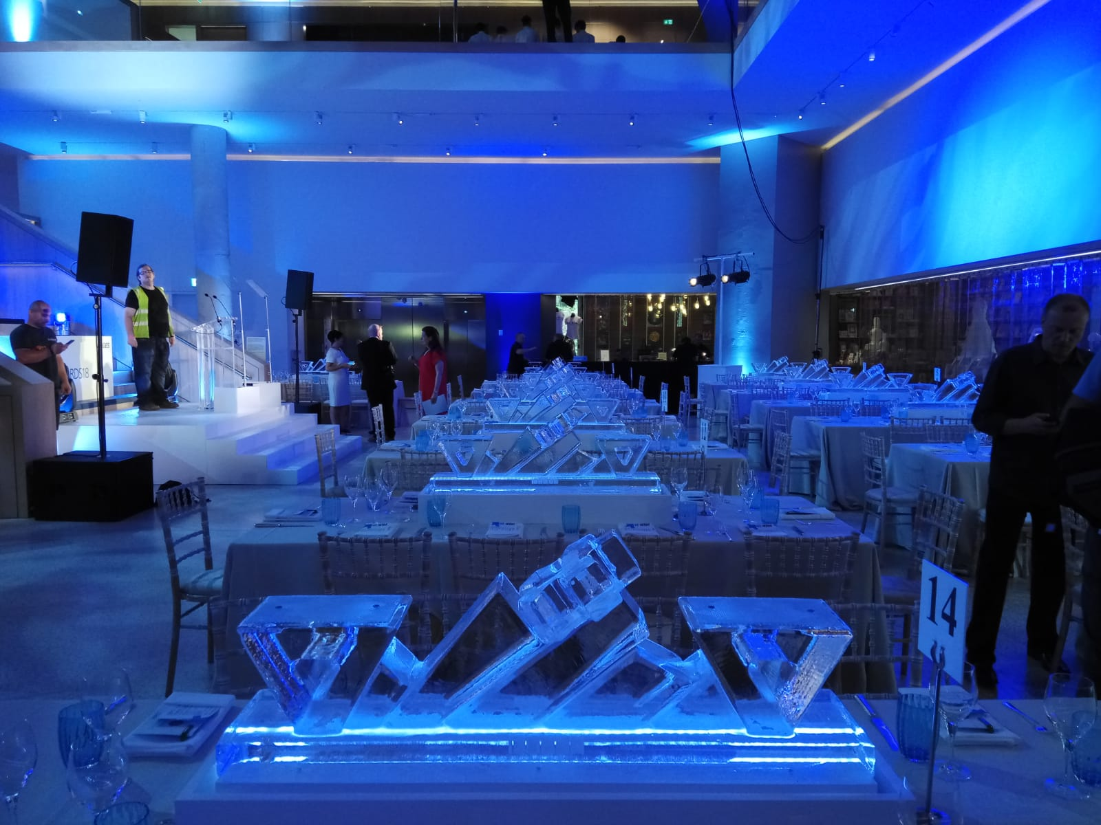 ice table centre
