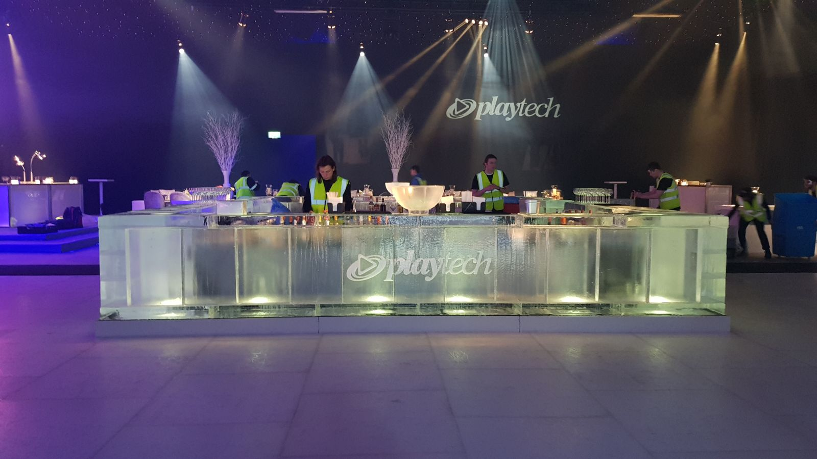 Play Tech VIP ice bar